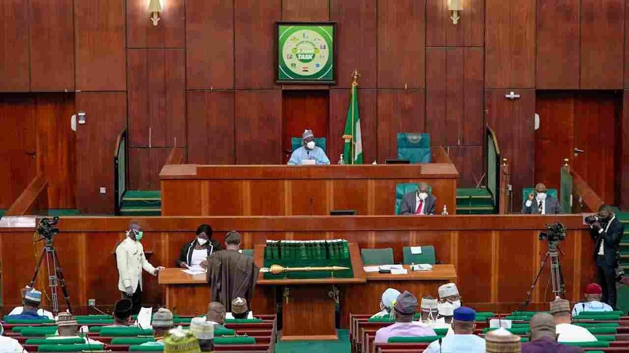 Minimum wage: Reps proceed on break to Mourn Colleagues, as NASS workers threaten Strike