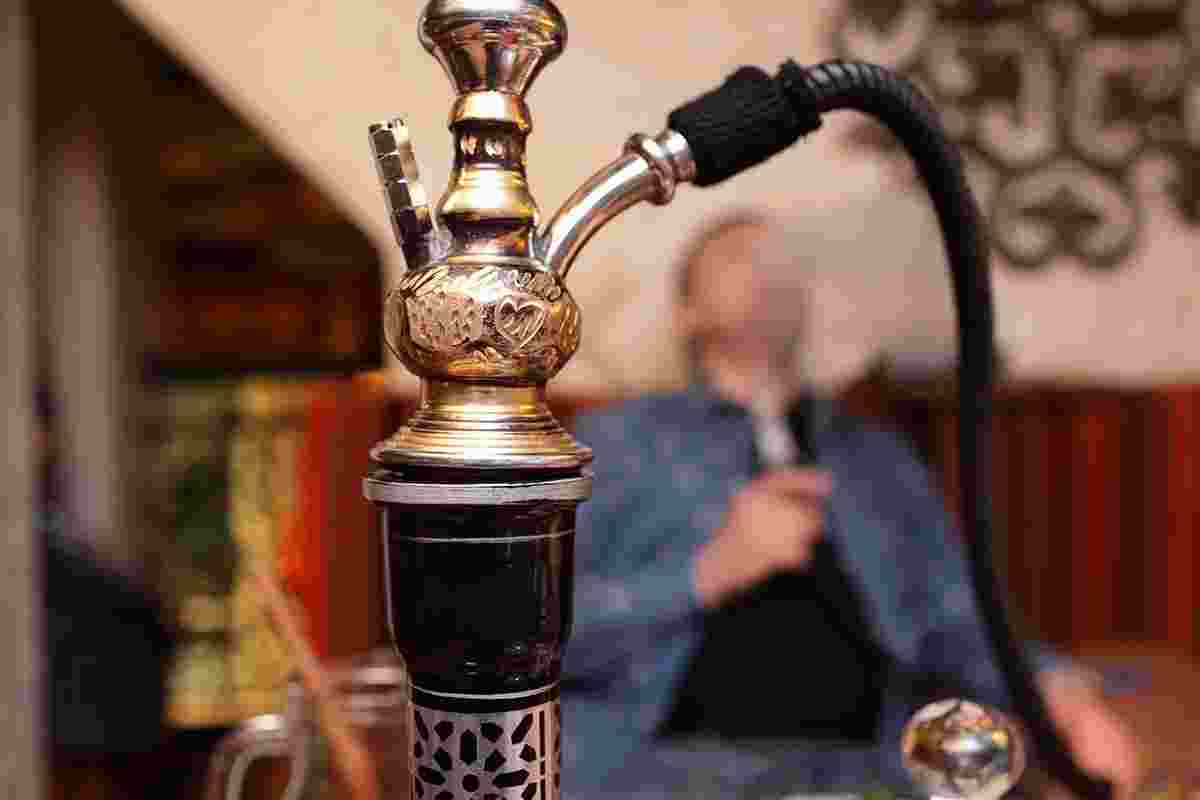 Shisha smoking can Kill you, causes Lung Cancer, Decreased Fertility - Medical Expert