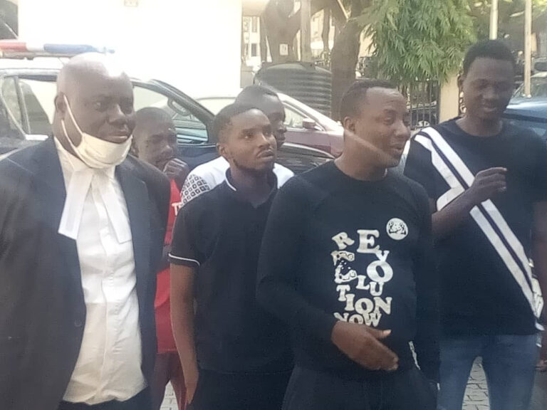 FG Arraigns Sowore And Four Others Over New Year's Eve Protest (photos)