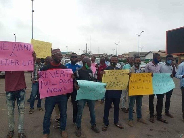 Protest Rocks Osun State Over Hike In Electricity Tariff And Petroleum Pump Price