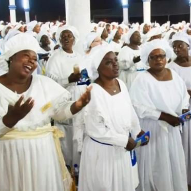 See How They Sing and Dance Tesumole By Naira Marley in Church