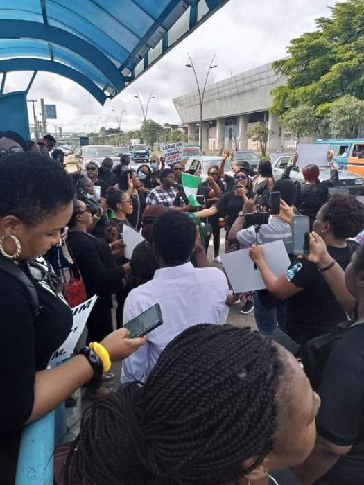 Women Gather For #EndSARS Protest In Port Harcourt