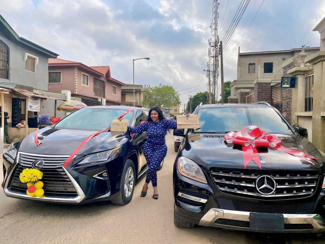 Actress Biodun Okeowo 'Omoborty' Shown Off The New Automobiles She Recently Got