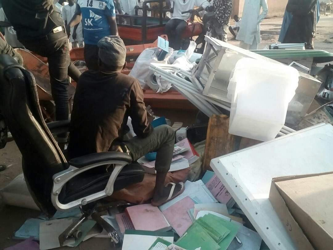 Adamawa Residents Begin Return Of Looted Items After Governor's Threat (See Photos)