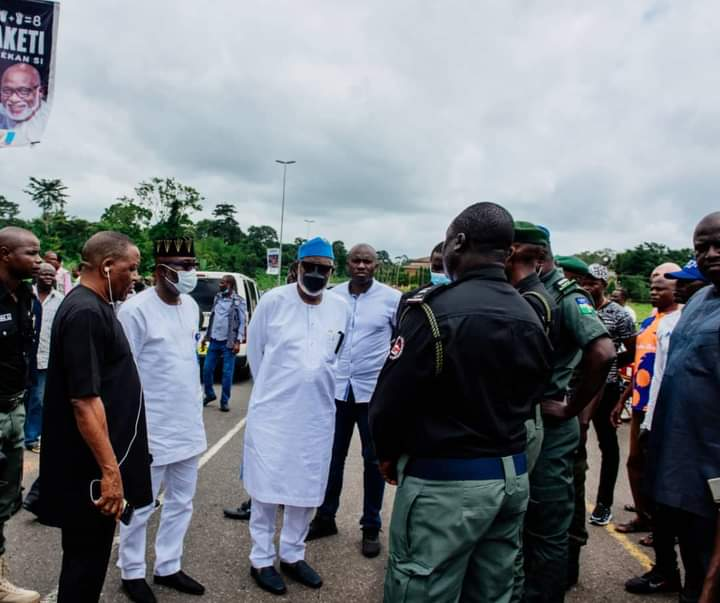 Akeredolu Condoles Police, Families Of Officers Who Died In Ondo