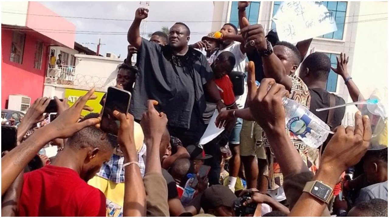 End SARS: Popular Fuji musician, Saheed Osupa declares support, joins protest in Ibadan