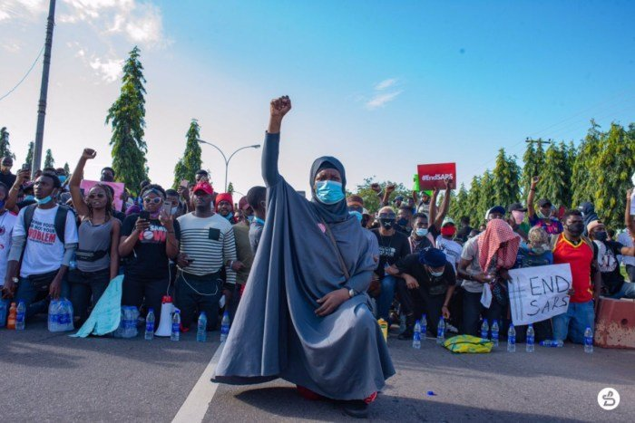 #EndSARS: Aisha Yesufu Warns Protesters Against Distraction, Division