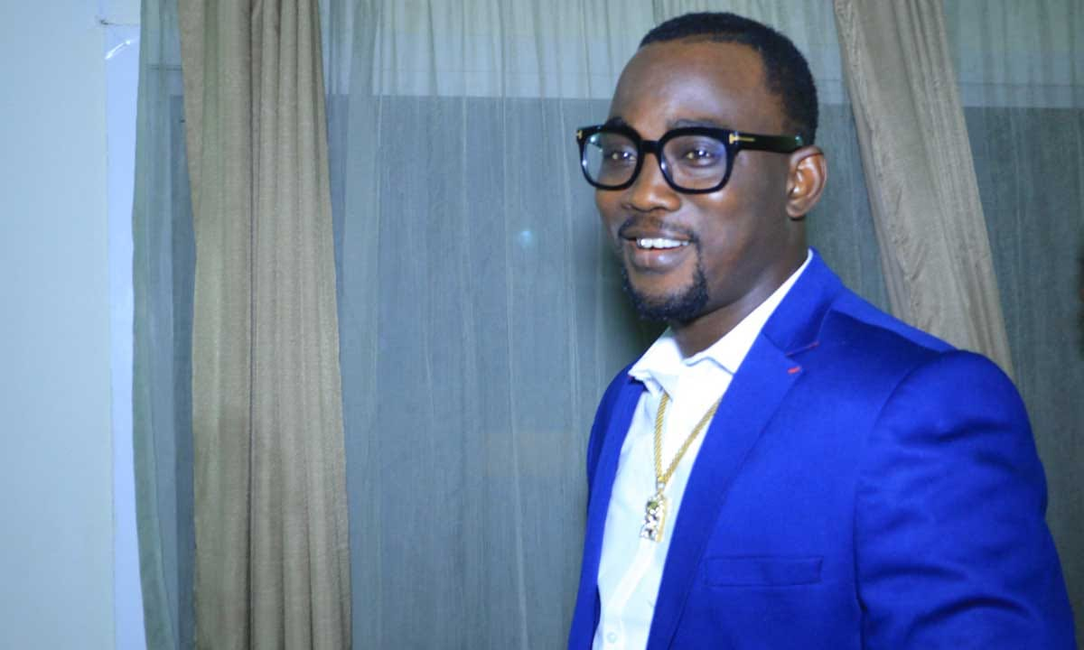 EndSARS: Fuji star, Pasuma chased out of Alausa protest ground