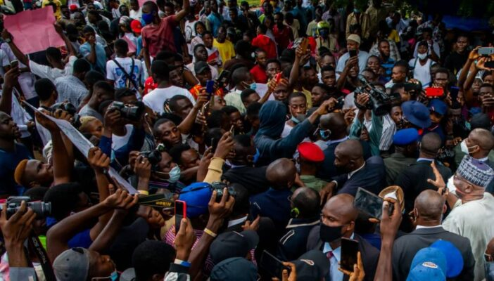 #EndSARS: Nigerians Reacts As Police Attack Flavour, Phyno, Other Protesters In Anambra
