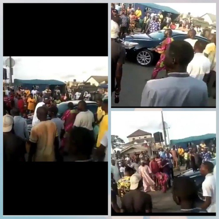 #ENDSARS: Oba Of Epe Sent Back Home As Protesters Block His Convoy