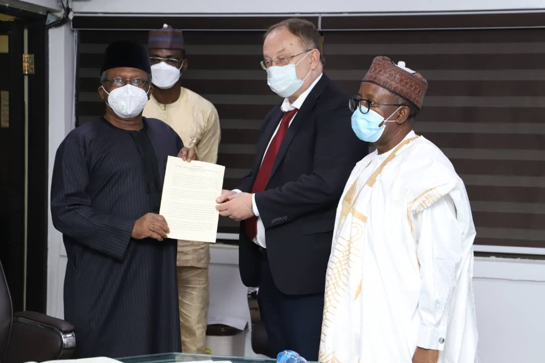 FG Receives Samples Of Russia's COVID-19 Vaccine