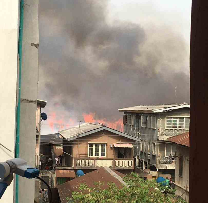 Fire razes houses in Okobaba, Ebute Metta (video/photos)