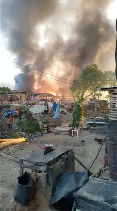 Fire razes Kugbo Furniture Market Abuja, shop owners weep