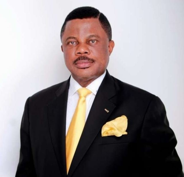 Governor Obiano Visits SARS Offices In Anambra, Frees Detainees