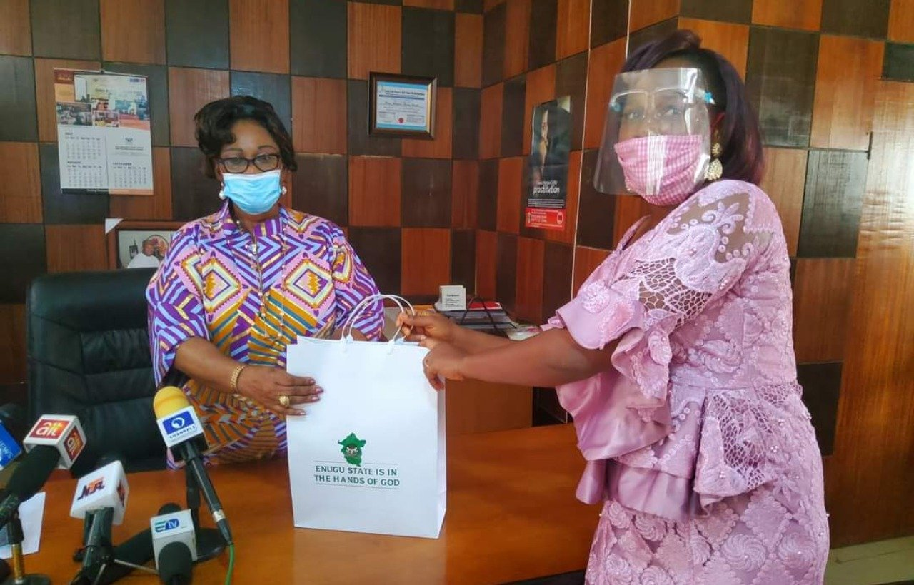 Governor Rewards Woman Who Returned N13.9m