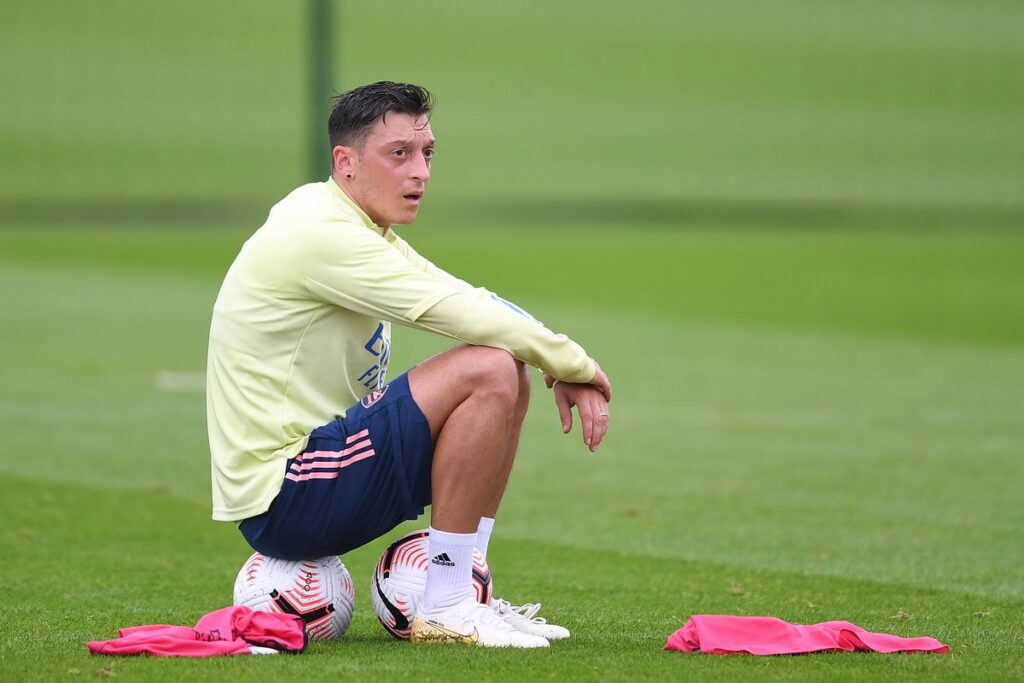 Mesut Ozil Signs for Turkish Side, Fenerbahce