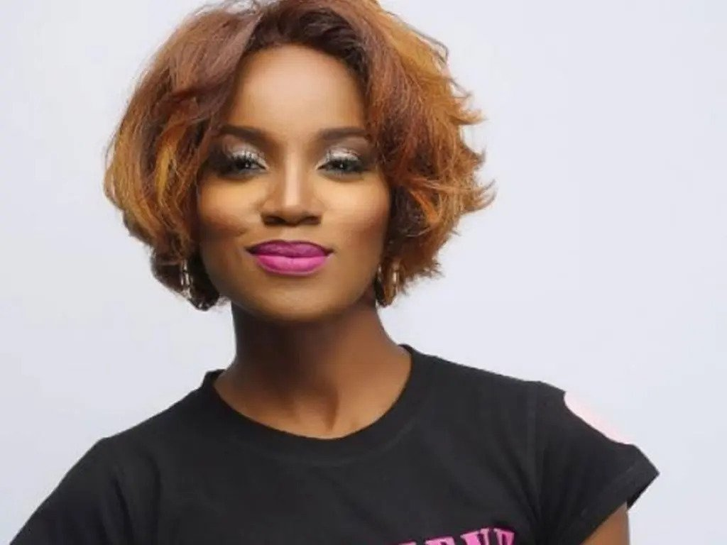 Nigerian singer, Seyi Shay shares her nude photo