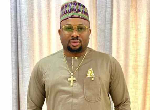Nigerians drag Olakunle Churchill to filth as he speaks on ex wife, Tonto Dikeh amid marriage scandal