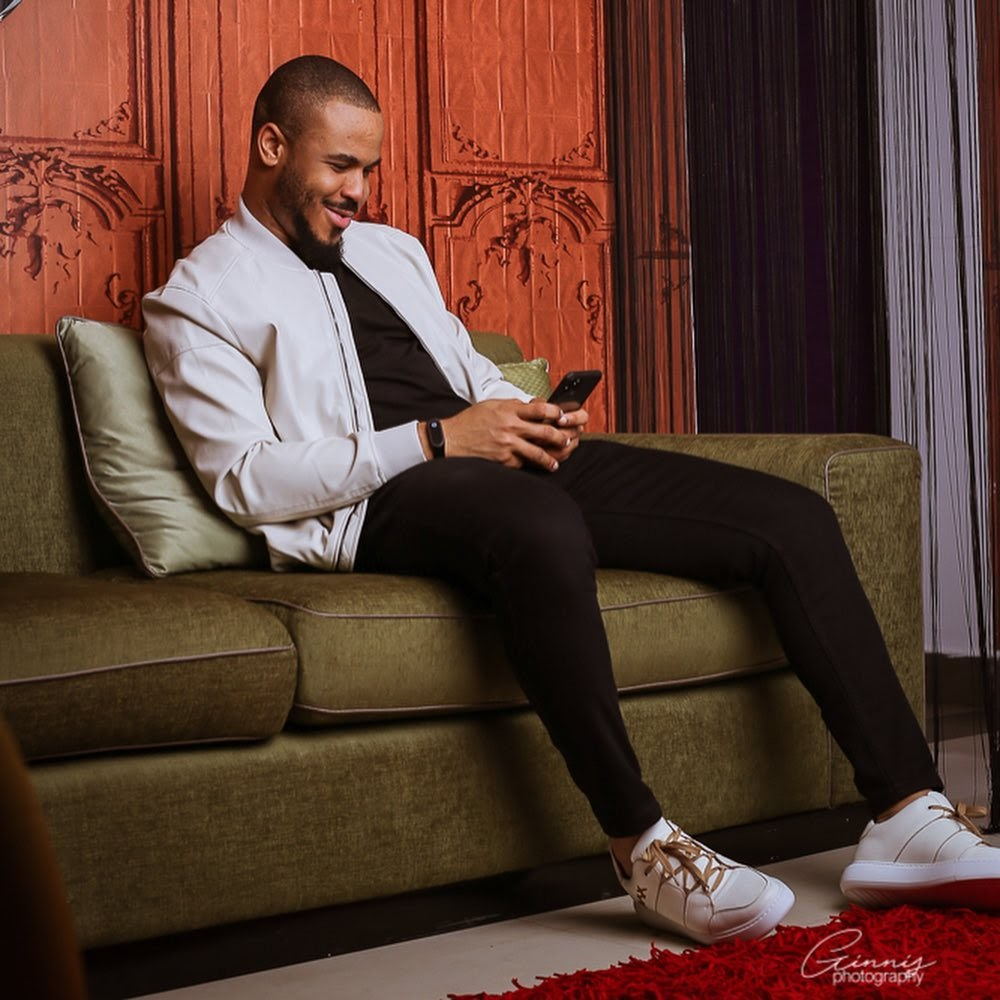 """Ozo Is BIGGER THAN David Beckam"" – Overzealous Fan Claims"
