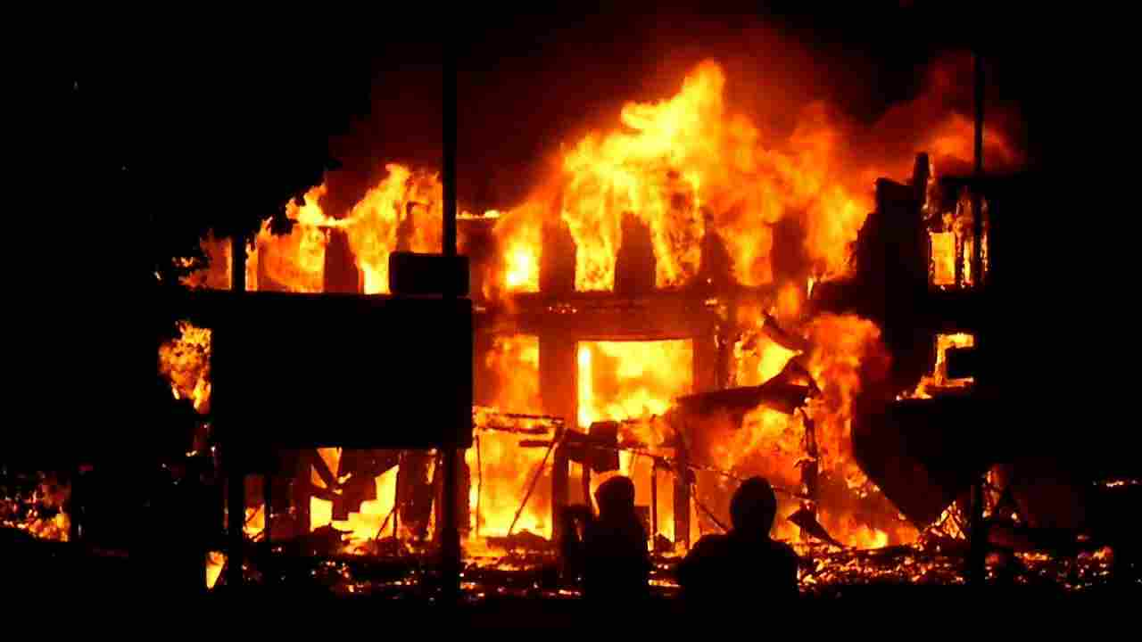 Popular market razed in Edo State, shop owners Hospitalised