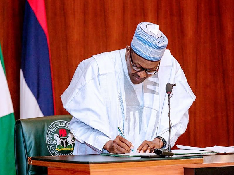 President Buhari Signs Agreement With USA and 3 Other Countries