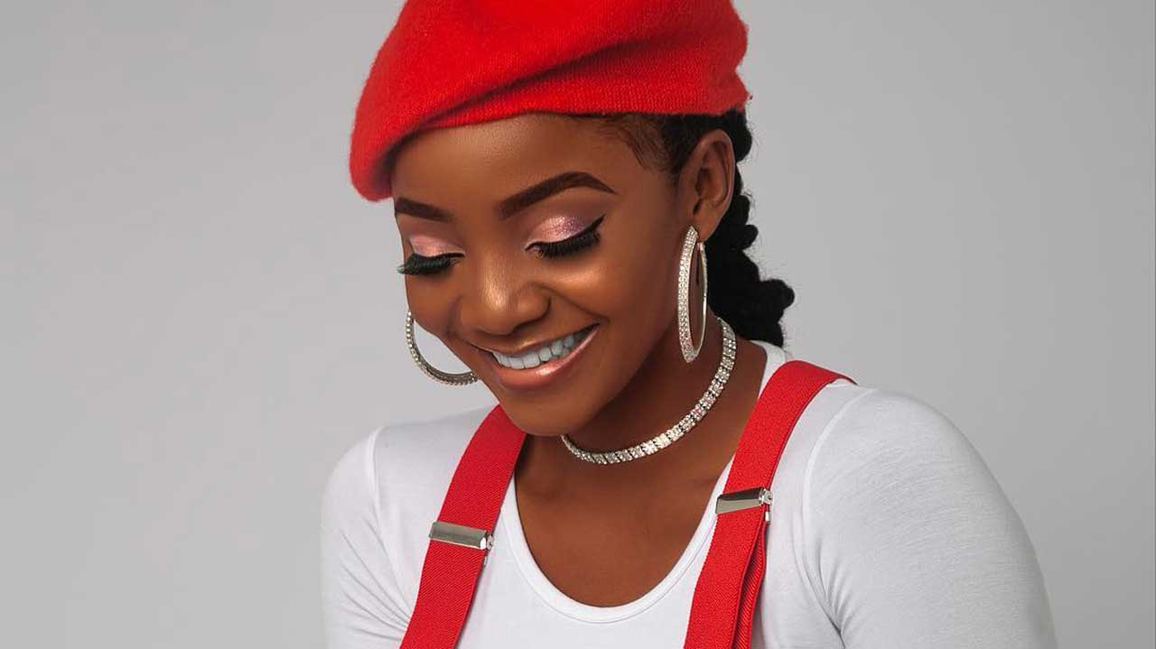 Simi Apologizes to the LGBT Community over her Homophobic Comments