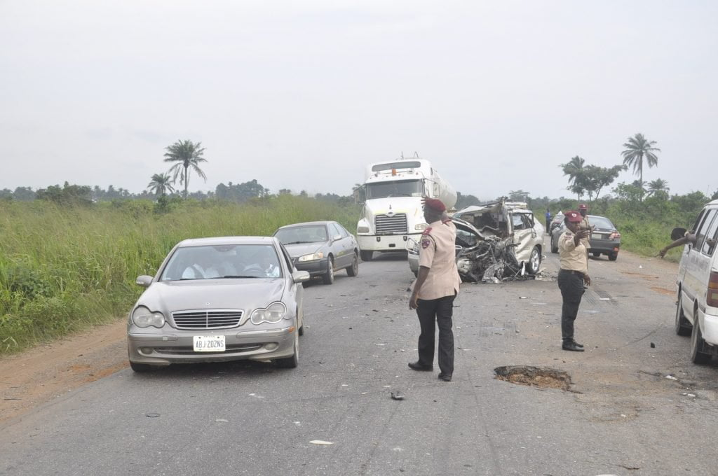Three Die, One Injured In Auto Crash Along Lagos-Ibadan Expressway