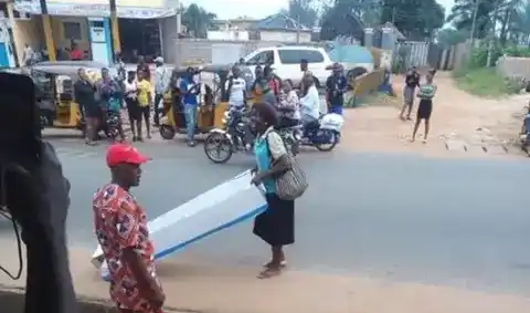 Woman gifts husband coffin on Father's Day in Anambra State