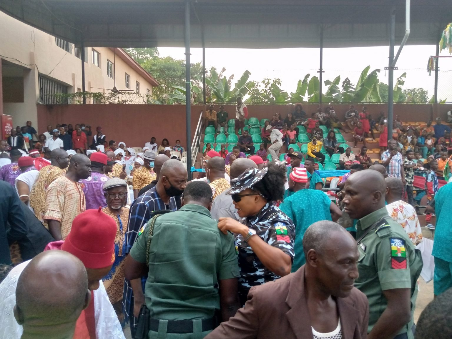 Yuletide: How dignitaries defied Police Ban on use of Escorts, Sirens, Others in Anambra